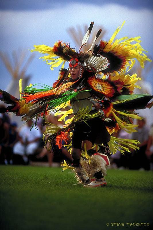 Native American dancing in full dress - I would love to attend on of these ceremonies.