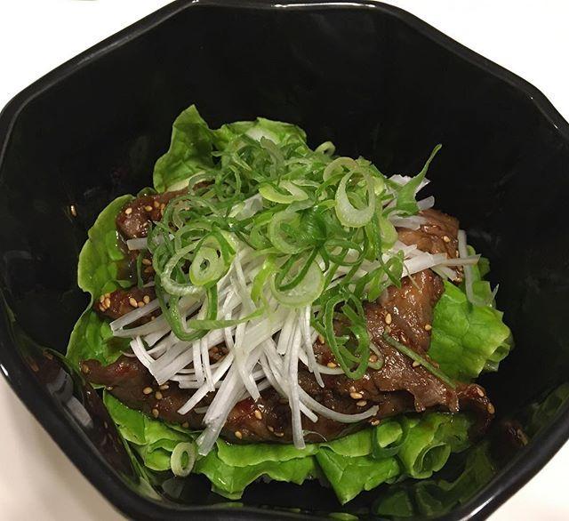 近江牛でカルビ丼作りました♬ 美味しい💕 Beef rib donburi dinner. Yum yum! :) #japan #osaka #japanesefood #donburi #beef #食欲の秋 #おうちごはん #家ごはん #夕食 #晩ごはん #手料理 #献立 #丼 #どんぶり #牛肉 #近江牛 #カルビ #カルビ丼 #ジューシー #美味しい #うまうま #グルメ #お肉 #肉 #お肉大好き #ビーフ #肉食女子 #肉活 #麦ご飯 #にしたけど相殺はされてないと思われますw