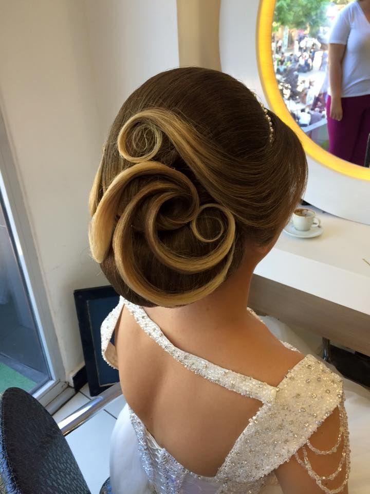 Tendinte coafuri nunta 2017 | coafura perfecta de mireasa pentru o zi deosebita | par desprins | impletitura