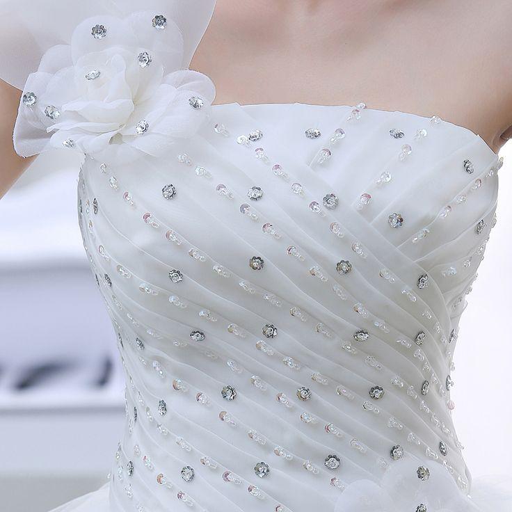 单肩型公主蕾丝婚纱-易买中国,一家专做免费代购的网站,淘宝代购/华人代购首选。