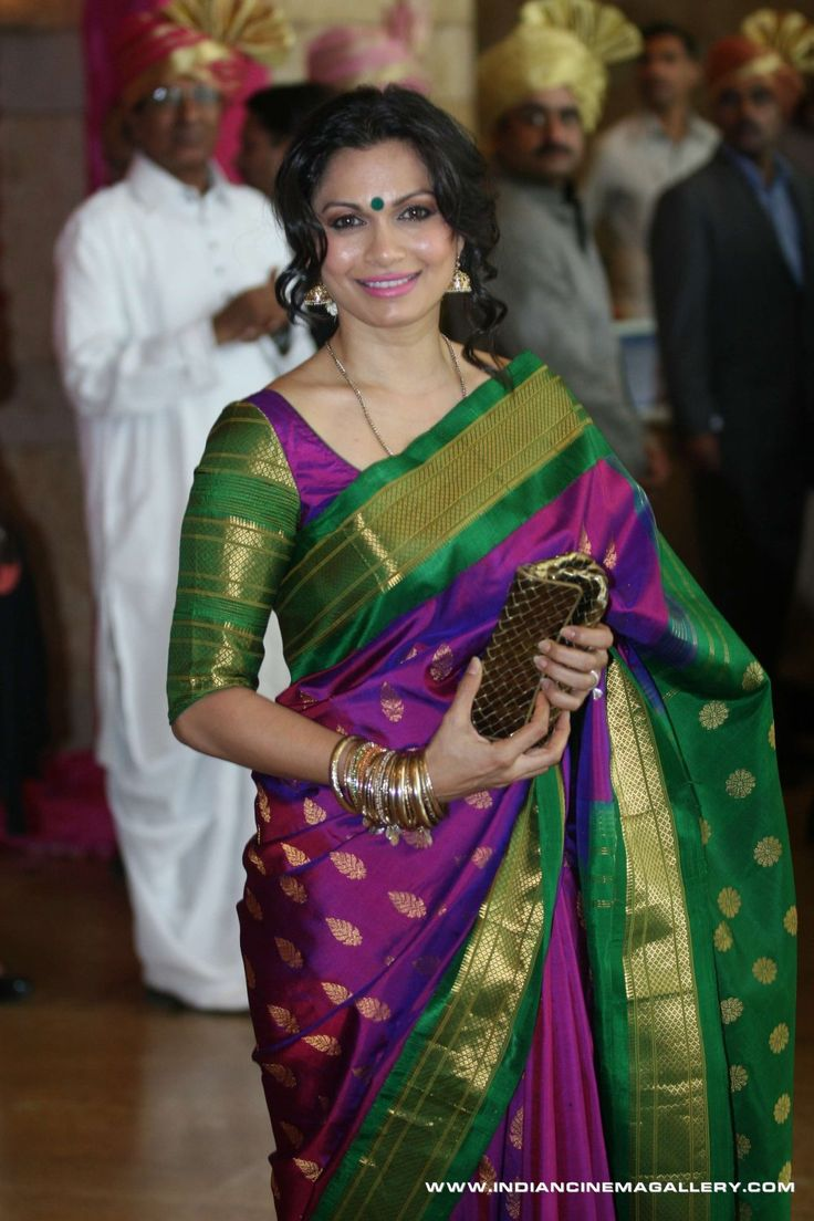 Want this saree!!!!!!! Maria never looked prettier! Sigh***