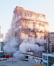 Old Hudson's building in Detroit implosion ...*It was an impressive department store. The old Hudson's Building, once the largest department store in the world, 1983