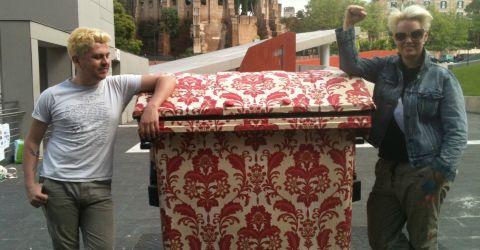 A Roma i cassonetti dei rifiuti diventano opere d'arte!
