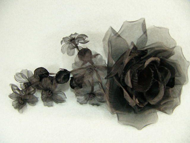 746111 1501001 - Růže s kvítky a poupaty + špendlík