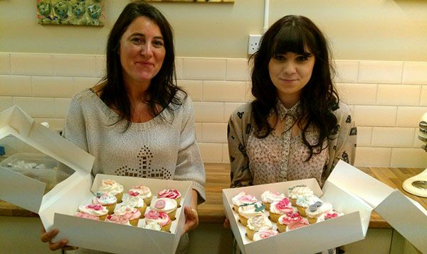 Some very happy students and their cupcakes after attending a course with Bake180
