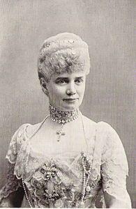 Principessa Thyra di Danimarca, 1853-1933. Sposa nel 1878 Ernesto Augusto principe ereditario di Hannover, il cui regno però era stato annesso alla Prussia nel 1866.Tuttavia il figlio della coppia contribuì alla riconciliazione dei Casati di Prussia ed Hannover, in quanto sposò la figlia di Guglielmo II, Vittoria Luisa ed ebbe in erdità il  restaurato Ducato di Brunswick.