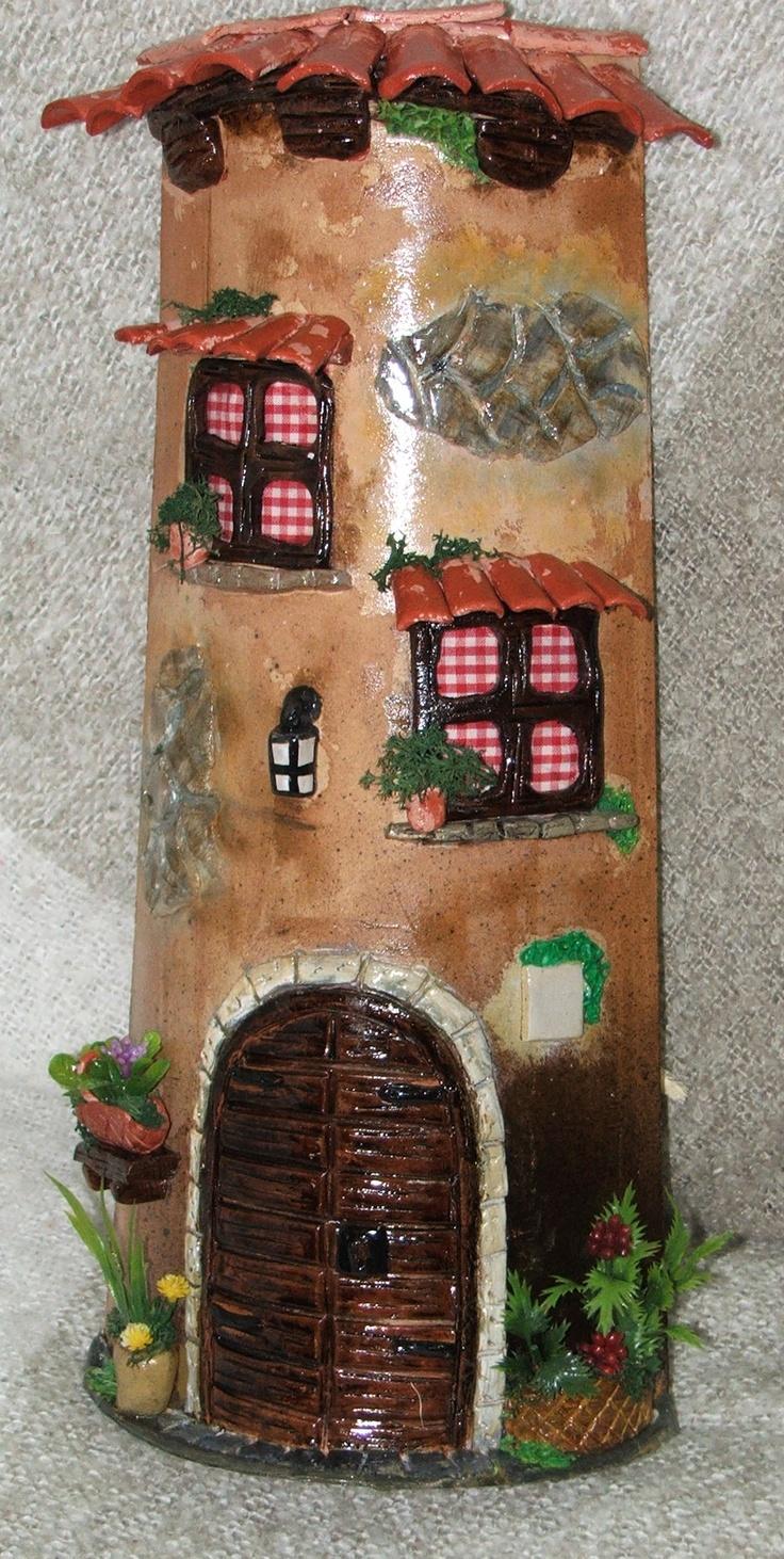 Teja grande, fondo natural, pintada a mano, y en relieve, artesanal, puedes comprarla en www.inciensosilusion.com
