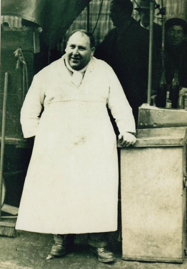 "Tubby"" Isaac Brenner who founded the famous jellied eel stall in Aldgate 1919."