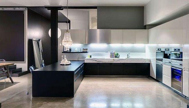Keuken met gepolierde betonvloer - kitchen with polished concrete floor