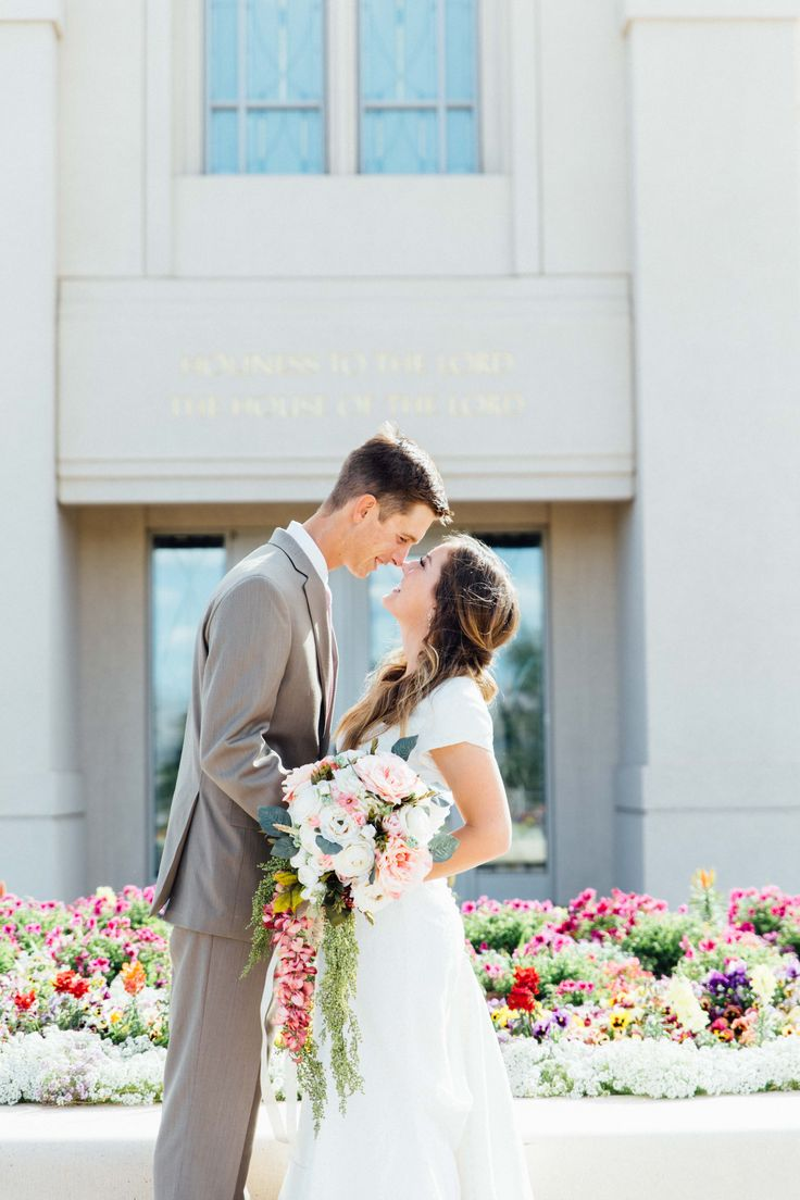 Gila Valley Temple Wedding // LDS Bride // Modest Dress