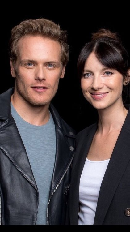 Pin By Debra Williams On Outlander Jamie And Claire Sam Heughan