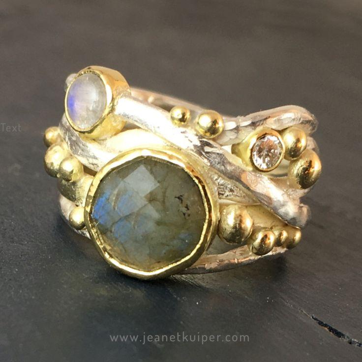 trouwring verwerkt in draadring | zilver goud labradoriet diamant maansteen Sieraden in opdracht | Atelier Jeanet Kuiper