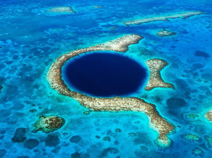 De Stock: Grande furo azul no recife de barreira de Belize