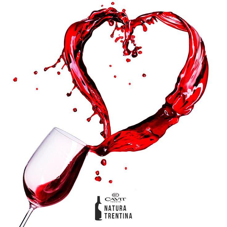Il vino è solo l'inizio della serata più romantica dell'anno. Buon SanValentino. Cin cin!