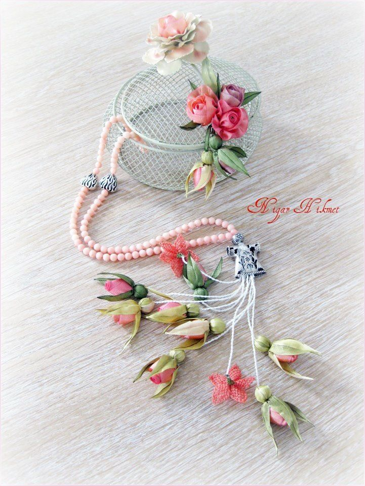 Ribbon flowers, Nigar Hikmet, tesbih, prayer beads