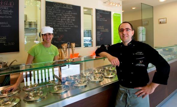 Stand 12 (Piemonte) - Alberto Marchetti - (da Alberto Marchetti) - Torino - gusti: Bonet (un budino di tradizione piemontese) e Cioccolato bianco e menta #gelatofest4