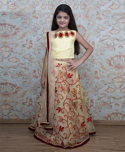 Shilpi Datta Som Embroidered Lehenga With Choli