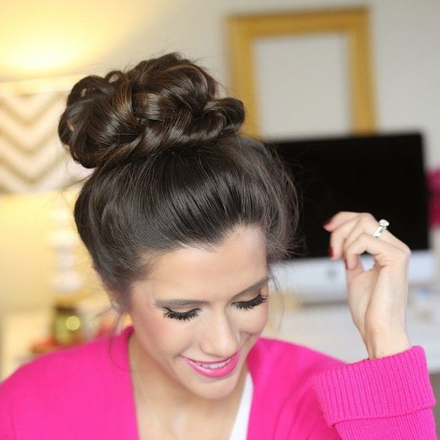 Thank you all for your feedback on the messy fishtail top knot- today's blog post is a tutorial!! 💖💁🙋 (link in profile