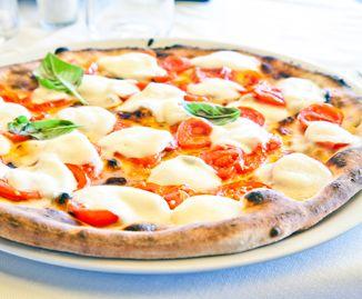Pizza fatta in casa: ecco la ricetta perfetta