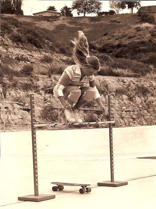 Ellen O'Neal, l'une des premières skateuses professionnelles. (1976)