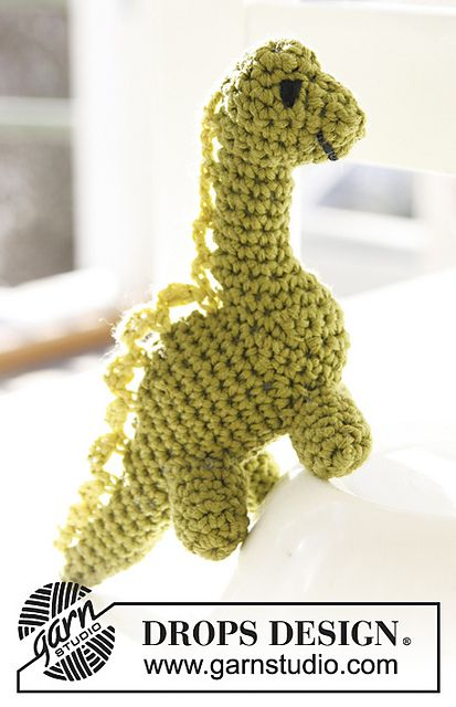 Ravelry: s24-7 Dinosaur in Safran pattern by DROPS design