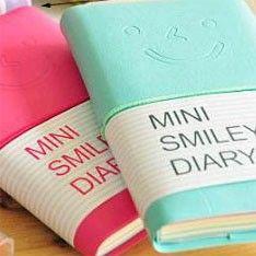 Cuaderno - Libreta: Mini Smiley Diary -  Buy here: www.lacasadepapel.com