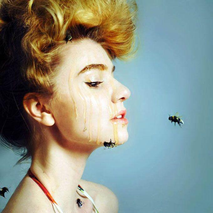 19 auto-retratos de uma jovem fotógrafa de 20 anos