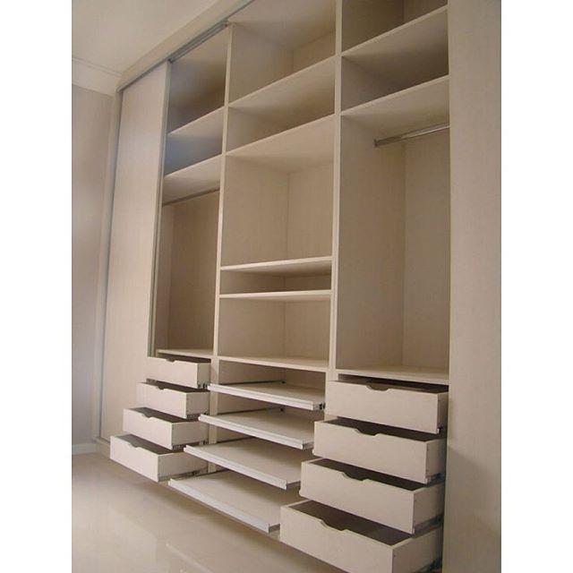Divisão de roupeiro. #apartamento #apartment #house #home #quarto #room #decoration #decoração #decor #meuape305
