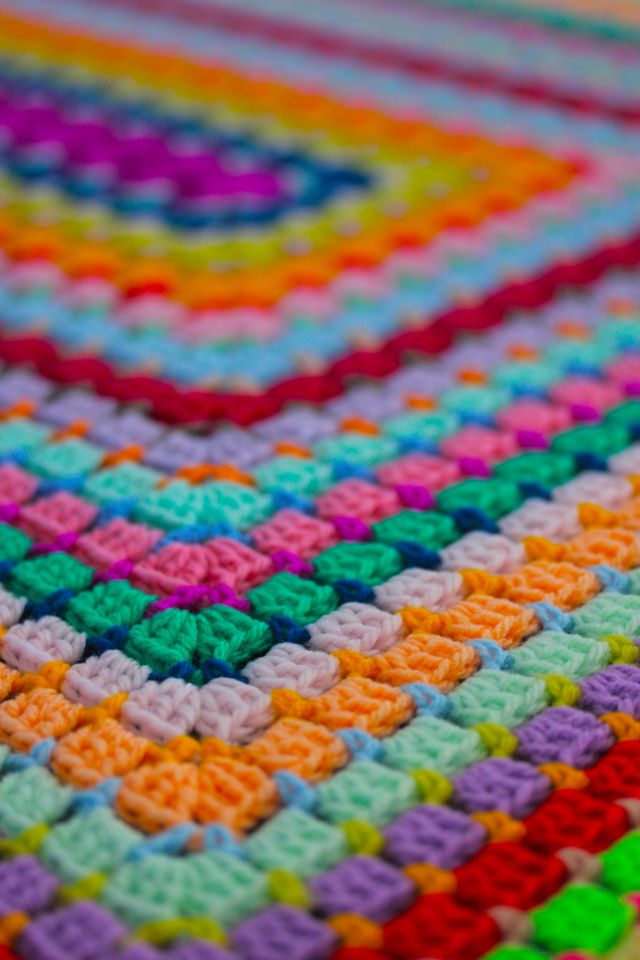 Sophie | Sarah London - Crochet pattern for sale.  I like the narrow row that attached the 3 tall stitches to the row below…wondering what it would look like using black for this...
