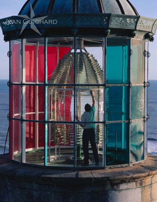 cleaning the latern, Cordouan Lighthouse, near the mouth of the Gironde River, France