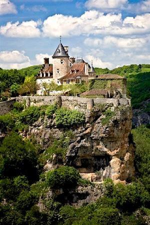 Château de Belcastel places travel France