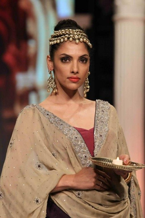 rk jewellers pearl polki earrings at IIJW 2013 via IndianWeddingSite.com
