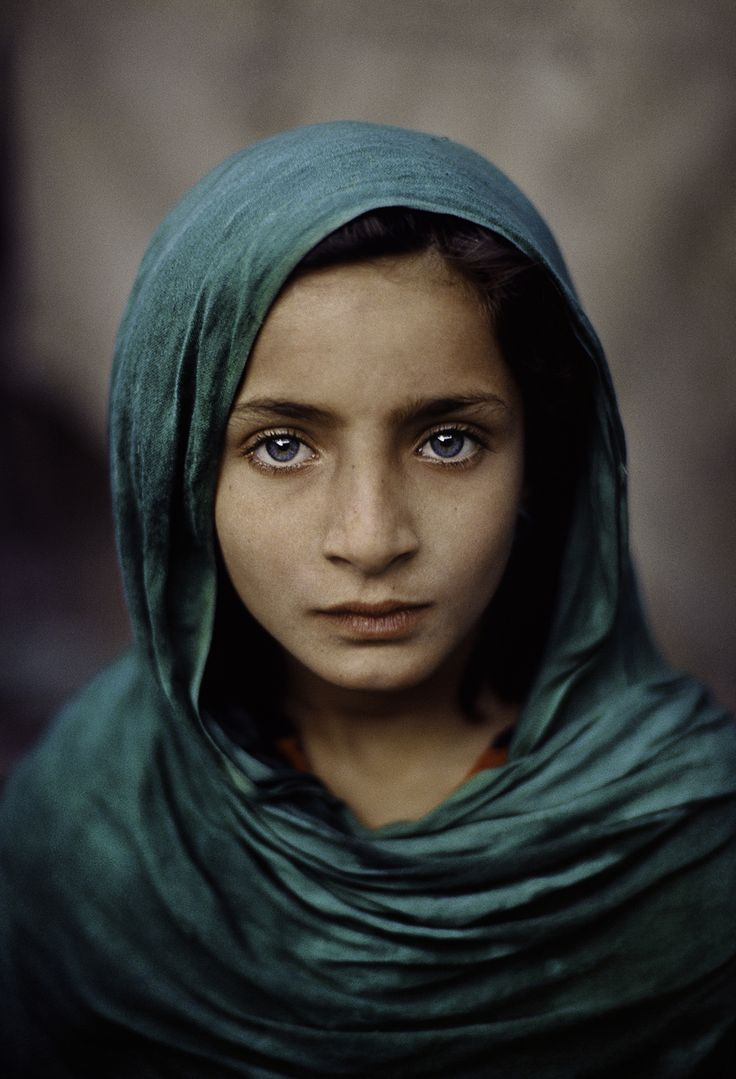 stevemccurrystudios:  This young child and her parents had fled the civil war in Afghanistan and were living in Pakistan when McCurry took this picture.