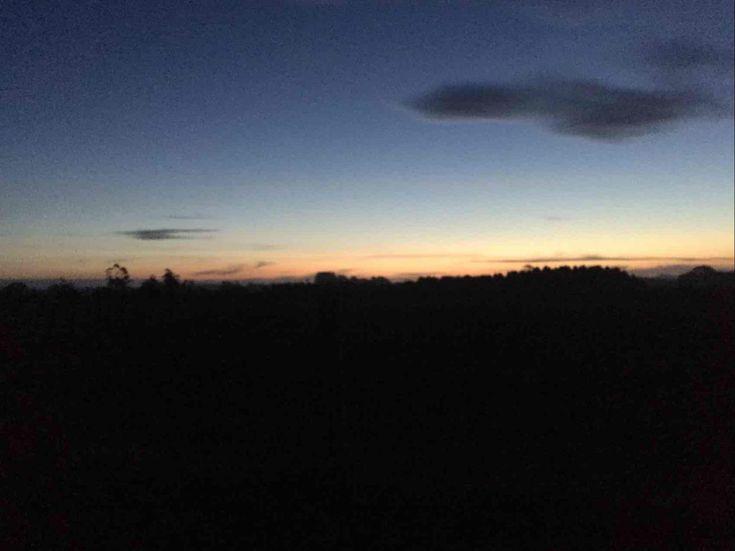 Coucher du soleil vers 18h La vue qu'on a à l'extérieur du restaurant | 886 Ironcliffe Rd, Penguin TAS 7316, Australia