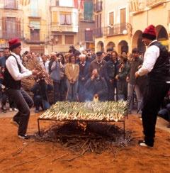 Valls, Catalan, Northern Spain for the Calçotada festival!