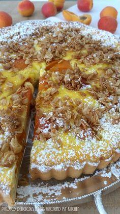 Hallo Ihr Lieben, Heute musste es ein schneller Kuchen sein, denn spontan hatten sich Gäste angesagt. Einfach unwiderstehlich schmeckt diese tolle Aprikosen- Käse- Wähe. Schnell war ein Hefeteig zusammengerührt, Aprikosen hatte ich gestern vom Markt mitgebracht und im Kühlschrank stand Quark der auch verbraucht werden wollte....