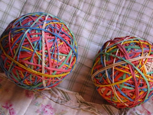 gummiband ball bastel sachen pinterest bouncy ball. Black Bedroom Furniture Sets. Home Design Ideas
