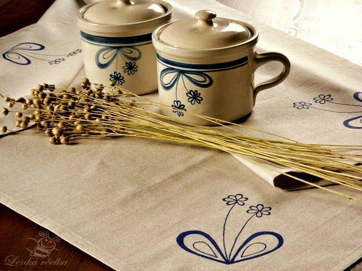 převzatý motiv z Hrdějovické keramiky