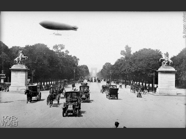 """""""L'Obs"""" s'associe à l'agence Roger-Viollet pour vous faire découvrir d'étonnantes photos d'archives de la capitale."""