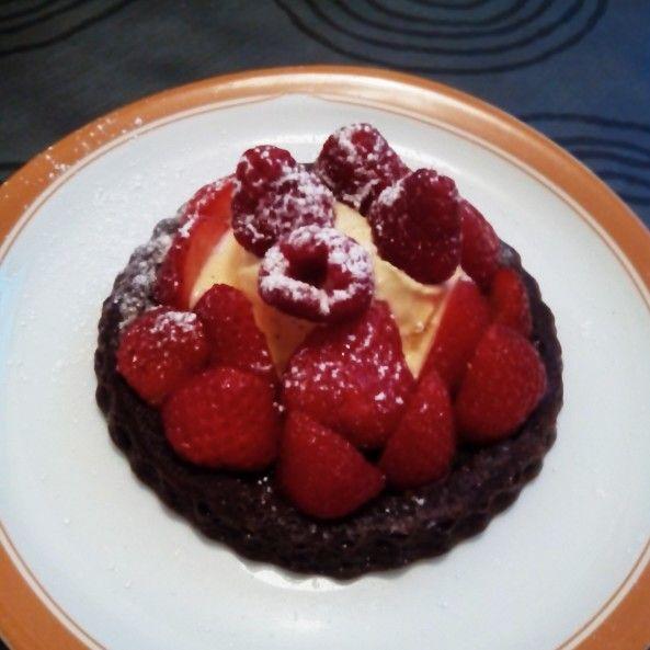 Gâteau aux fruites rouges et chocolate- glace á la vanille