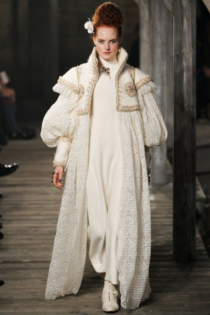 Chanel Pre-Fall 2013 Fashion Show - Karoline Bjornelykke