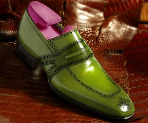 Maître bottier soulier menstyle luxury calceophile mode masculine  #menshoes #colours #green