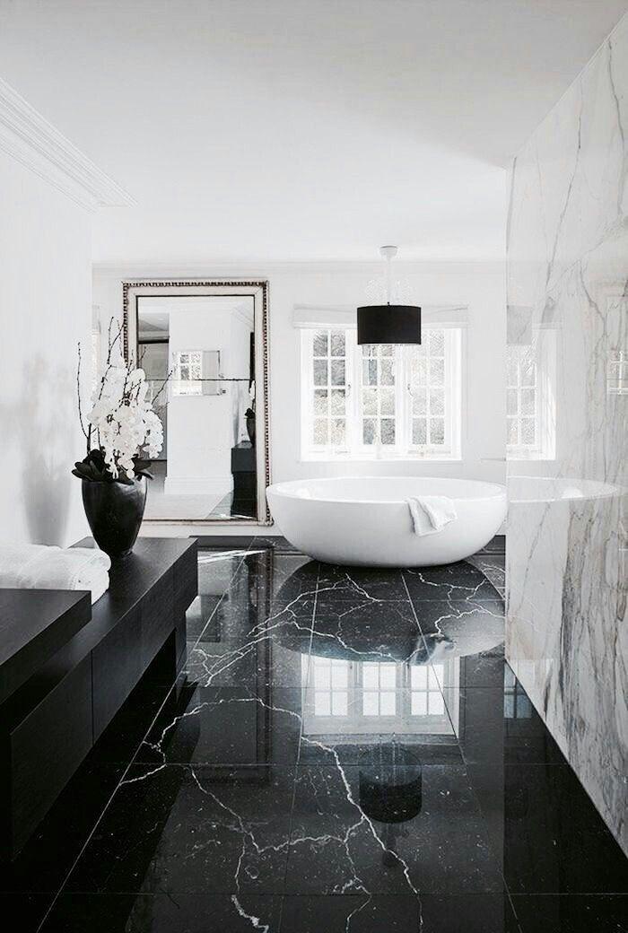Luxury Houses In 2020 Bathroom Interior Design Bathroom Design Luxury White Marble Bathrooms