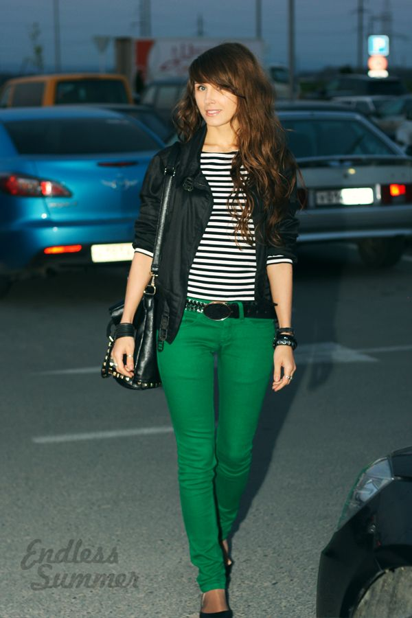 green skinnies + black leather jacket and simple top.  All I need now is to FIND A FREAKING PAIR!
