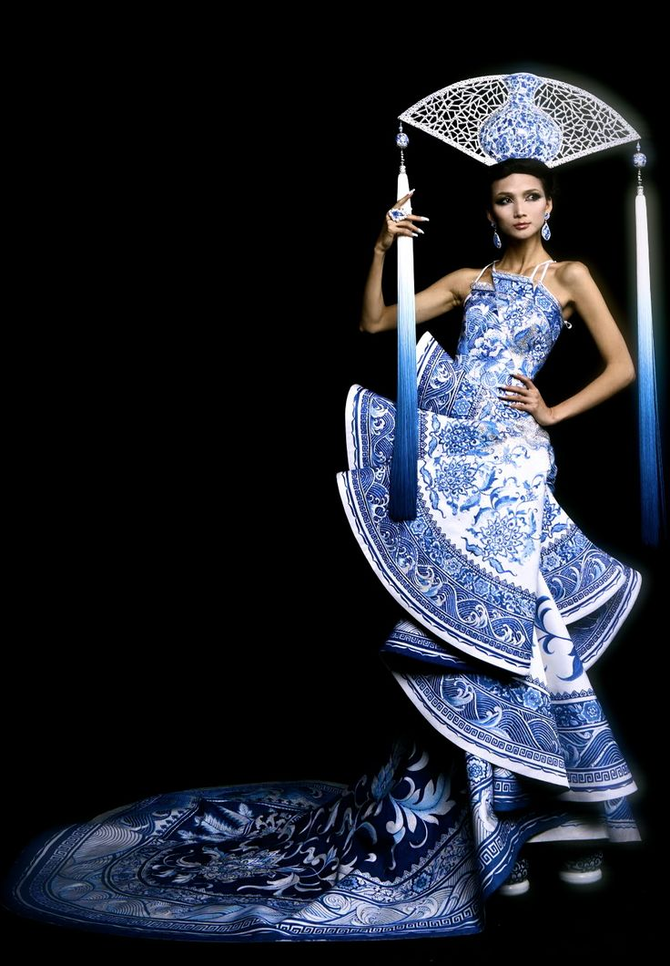 A 2010 design that was worn by 2012′s Miss Universe China, Diana Xu Jidan, designed by Guo Pei (Rose Studio Fashion Co.)