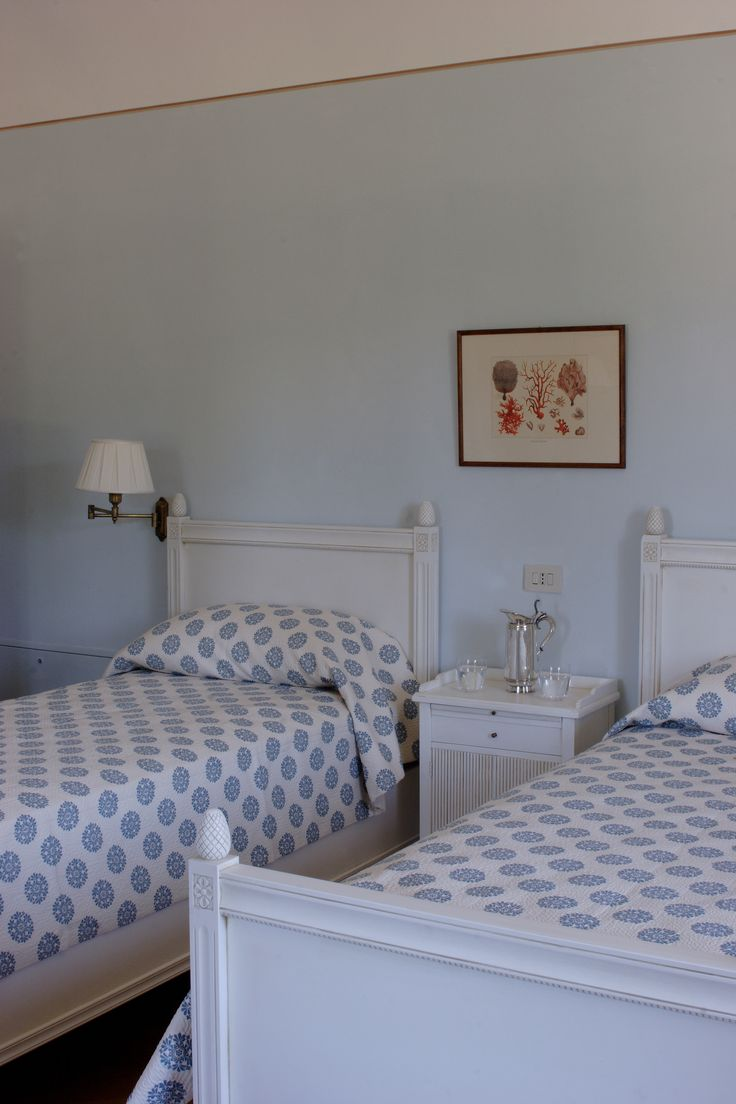 The second suite of the Relais il Biserno with the theme 'Azzurro' which means light blue in italian