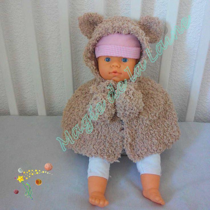 poncho fourrure ourson pour bébé ou enfant, tricoté avec la laine peluche Doudou. Doux et chaud, il protège bien votre enfant du grand froid d'hiver. Modèle: http://www.magiedelalaine.com/modeles-layette-et-enfant/366-modele-poncho-fourrure-ourson.html