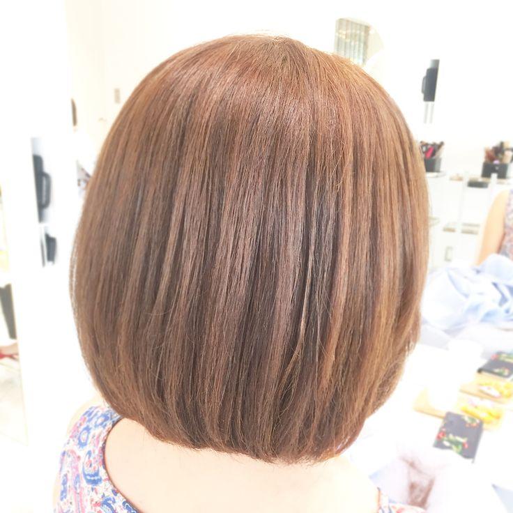 🌷  .  .  #艶カラー  .  ZA/ZAで扱っているヘアカラーの薬剤は、髪に優しく、トリートメント成分も沢山入ったものとなっているので、染めるだけで #艶髪 に大変身✨✨  .  それだけではなく  染める前にも #高濃度トリートメント でしっかり前処理させて頂いてからカラーリングに入らせて貰うので、さらに髪の毛はツヤツヤに✨  .   是非✨艶✨が欲しい方は  ZA/ZAでカラーをしてみてください!  .  .  #zazaaoyama #ザザアオヤマ  #ボブヘア #まとまる髪 #ヘアカラー  #アッシュカラー #イノセントアイスブルー #青山美容室 #ひさヘア