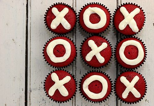 valentine cupcakes...kisses and hugs