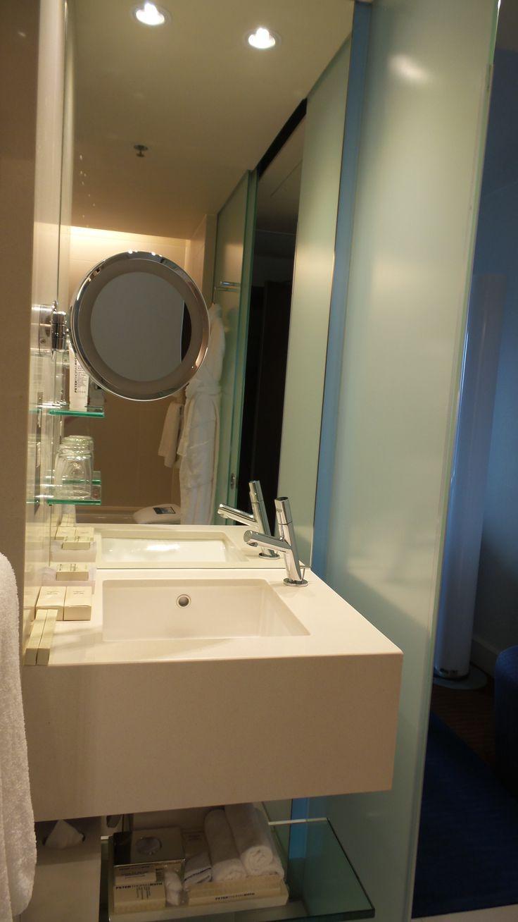 Bathroom in an Executive Room at the Hilton Sydney Hotel
